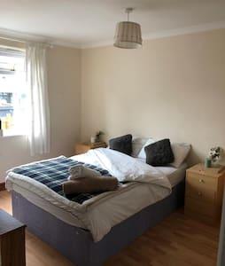 Bright Clean room Arabella Drive
