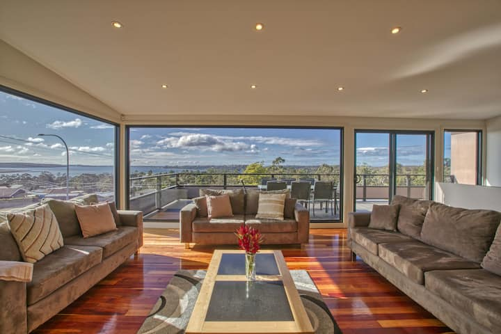 Georges Bay Luxury St.Helens