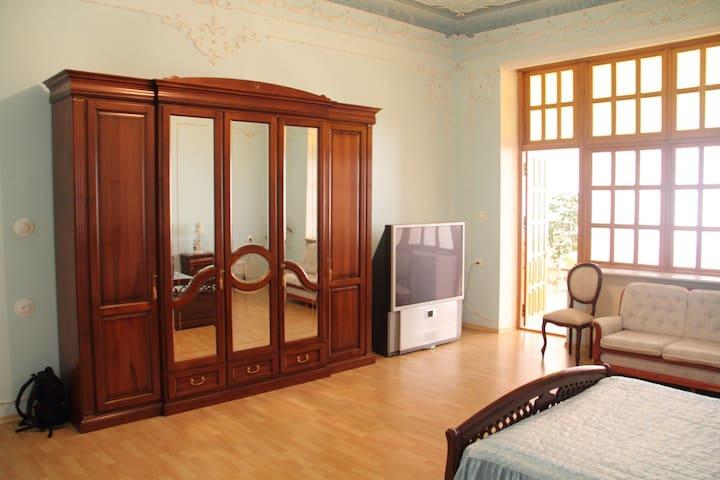 В меру убитые комнаты в особняке - Gelendzhik - Maison