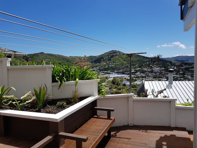 Home in Karori centre with great view