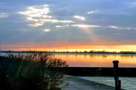 Lake house with astonishing view, near Amsterdam