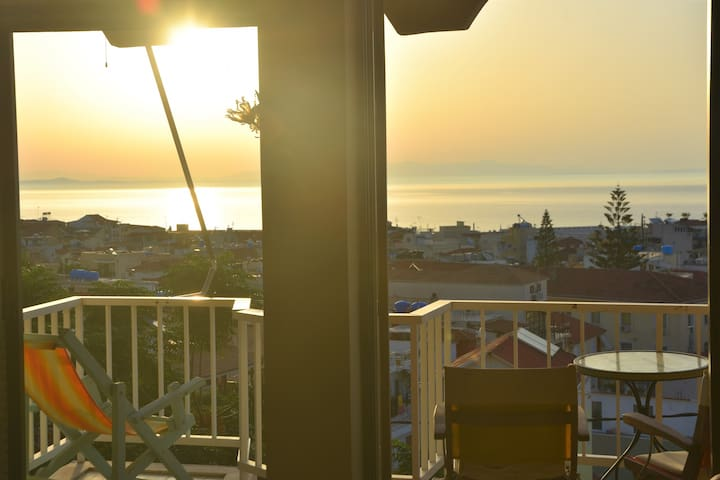 Center, sea view & port apartment- Great Location