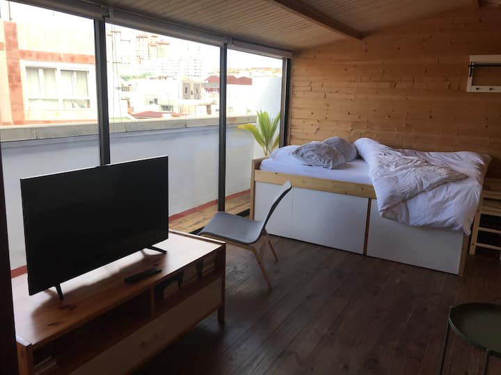 Lovely cabin sea views.  Best location Las Palmas