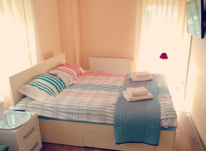 ★Comfy rooms in villa ★ Great outdoor space