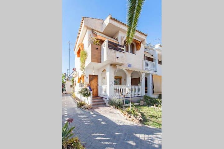 Casa P en la playa con piscina - Gran Alacant - Casa