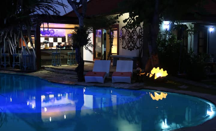 Family bungalow in Sanur,share an intimate holiday