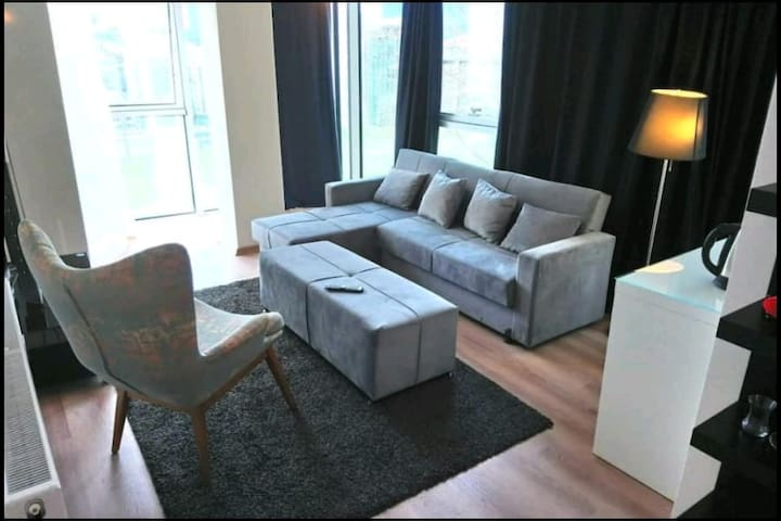 We Residence - DeluxeSuite4 - very central&stylish