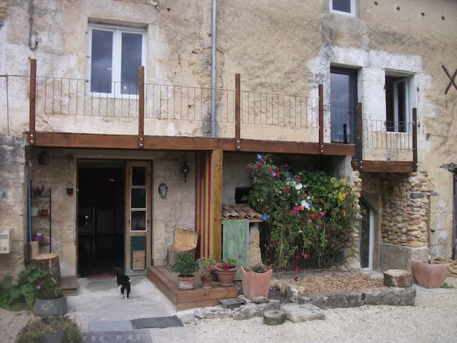 Chambre calme, confortable dans un cadre charmant - Chiré-en-Montreuil - Hus