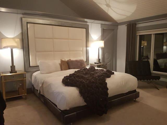Suite Smart Ocean Park B&B - King Deluxe Suite