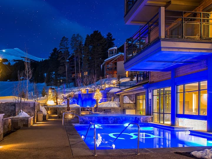 Luxurious Ski-In/Out Resort (1/16/2021-1/23/2021)