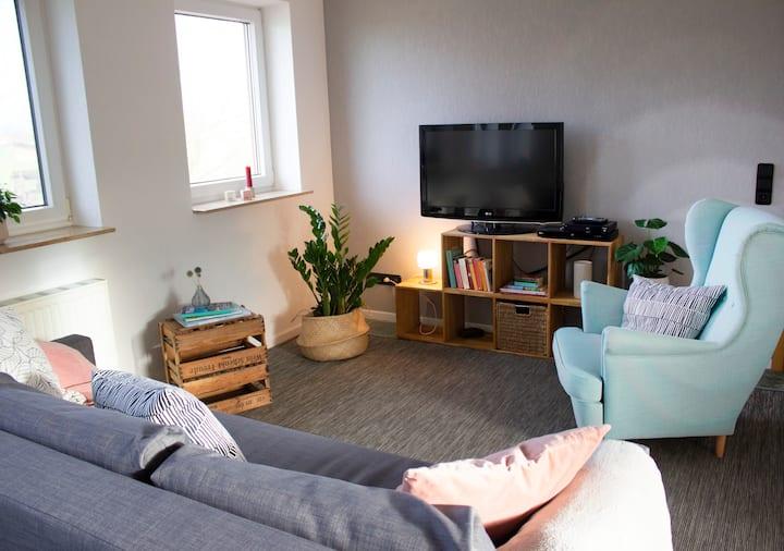 Wunderschöne Wohnung mit Ausblick / Imkerei