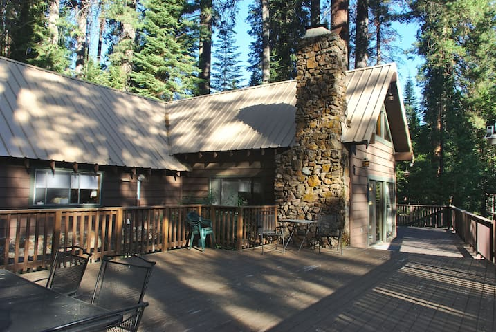The Big Pine Cabin at Yosemite Forest Lodge