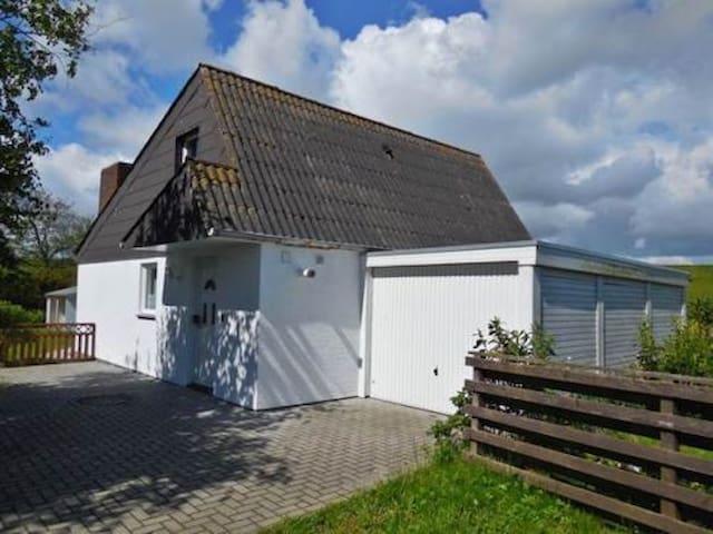Haus Sorgenlos an der Nordsee - Butjadingen - Talo