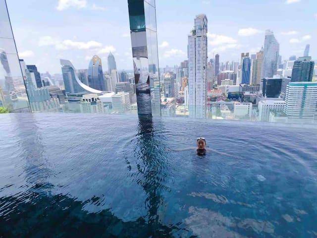 城市最中心  360度无边无际Shy泳池 central world 四面佛 暹罗广场 Siam