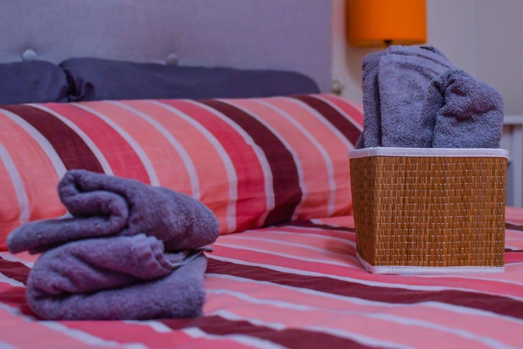 Cama de 150 cm, dormitorio principal
