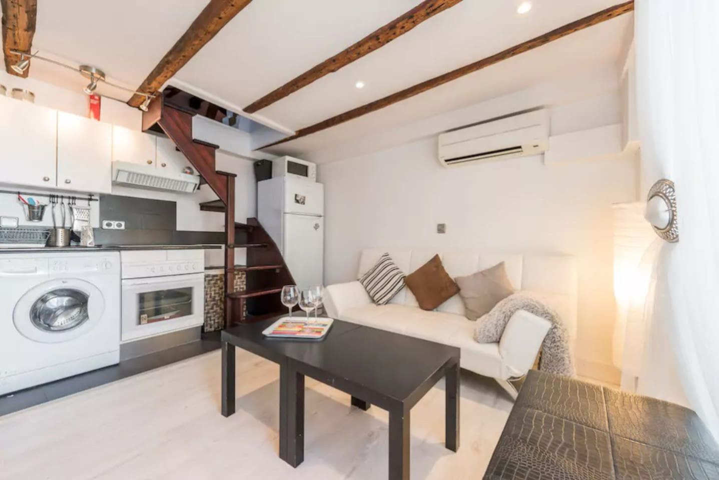 Great Loft Duplex A C In The Heart Of Chueca Apartments For Rent  # Muebles Miguel Angel Cadiz