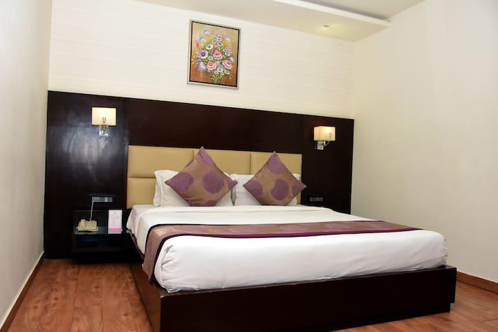 Mango Club Hotel Room Agra