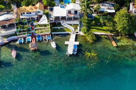 Habitación privada con acceso a laguna y alberca