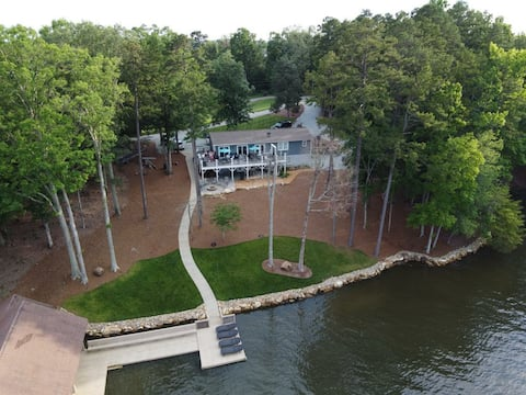 Beautiful Hyco Lake Home with Fantastic Views!!!