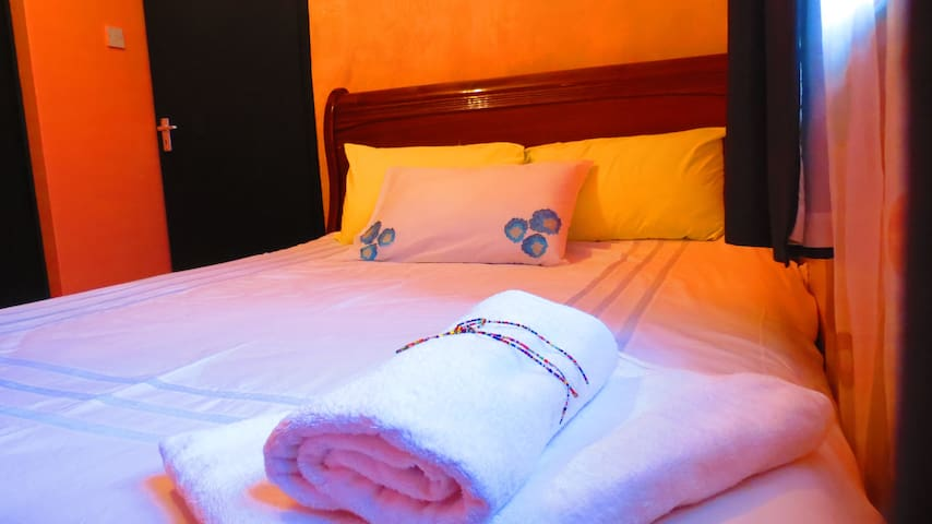 Delightful room near JKIA airport - Nairobi - Haus