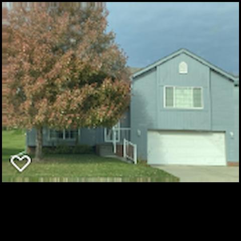 2 bedroom villa with garage in quiet neighborhood