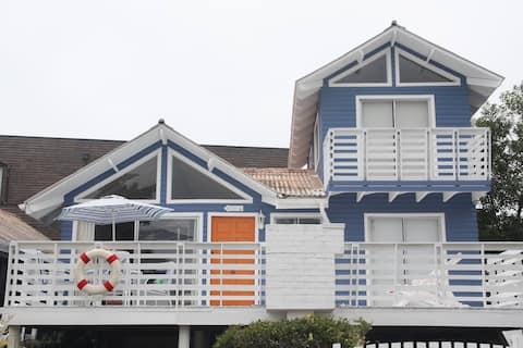 Linda y Amplia Casa junto al mar