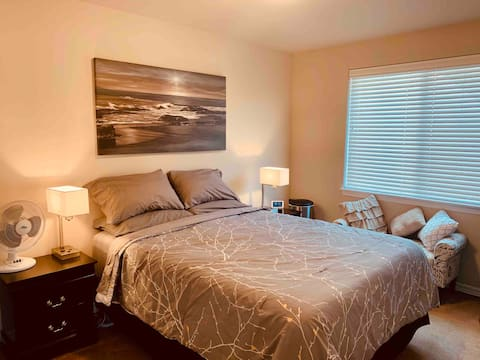 Private room & bath on South Hill Puyallup.