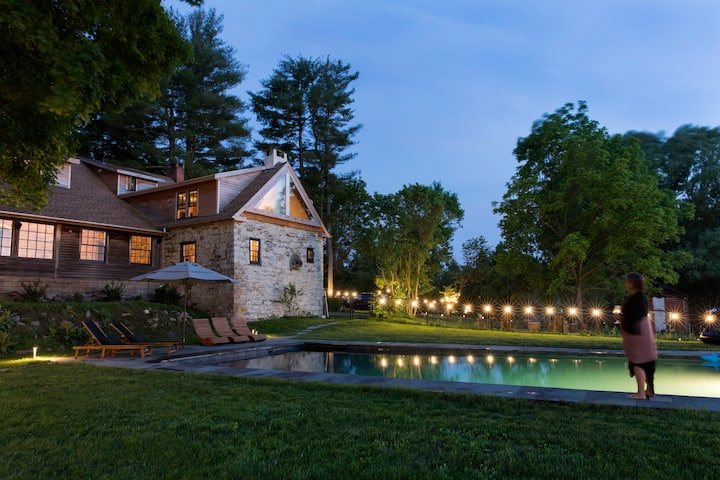 300 year old Stonehouse with a  salt water pool