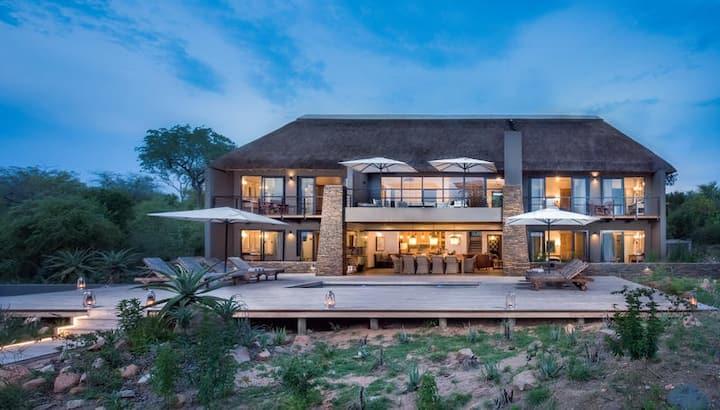 Elephant Point - Mangwa Lodge