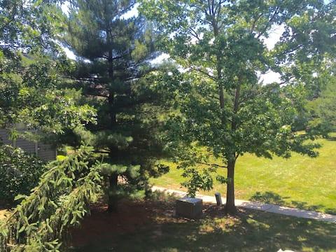 Nice Condo, quiet, near Princeton