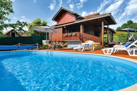 Holiday cottage with 4 bedrooms on 126m² in Marija Gorica