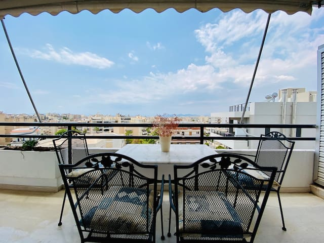 Apartment At Paleo Faliro