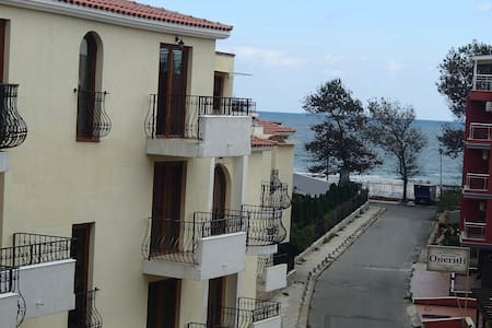 1-bedroom apartment with seaview near the beach - Apartment