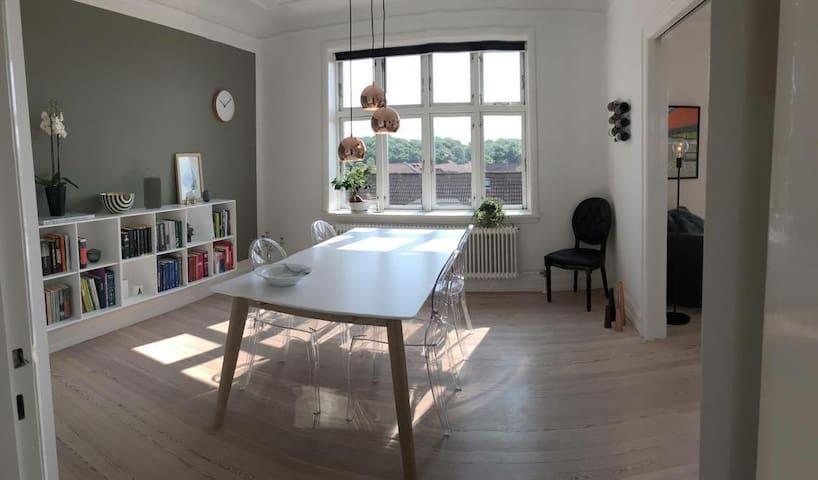 Lovely apartment in popular Trøjborg, Aarhus