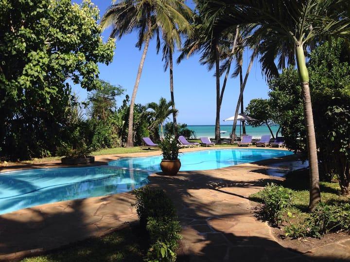 Charming Beach Villa on Galu Beach