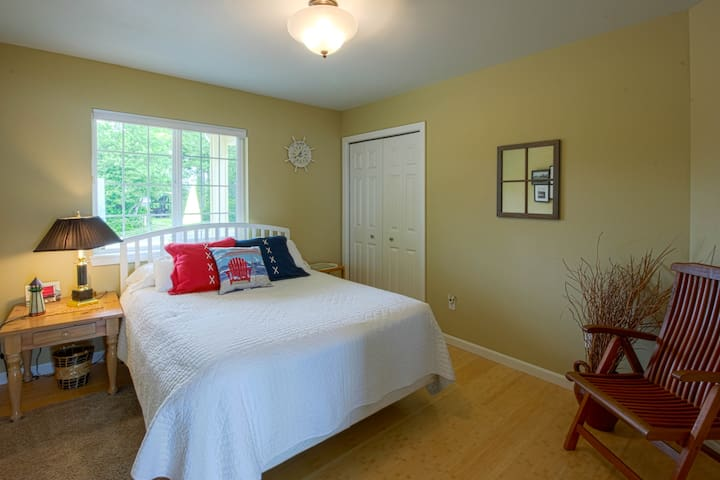Second Bedroom with queen bed is comfy and warm.