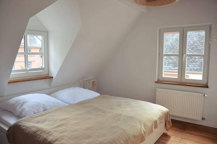 Dachgeschoss - Schlafzimmer 2