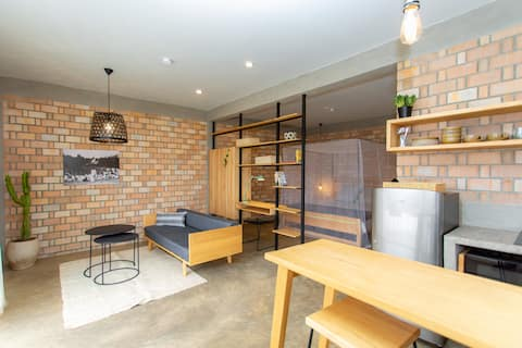 LOFT 647: Brand new studio with large terrace (B1)