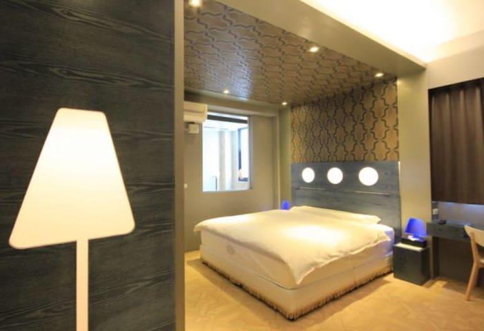 庭園獨棟附停車位,浴池客房享有專屬感,適情侶夫妻、三五好友及家族旅遊 - Hualien City - 別荘