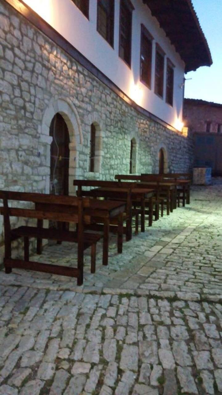 Kalaja B&B - Inside Berat Castle