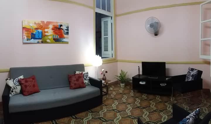 Comfortable 1-bedroom apartment in Central Havana