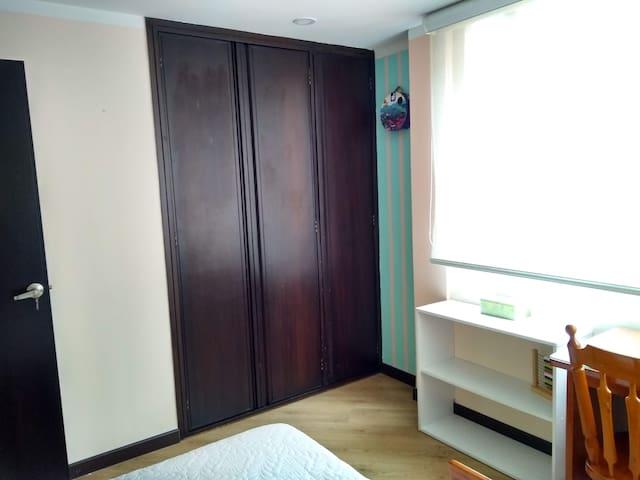 Closet del cuarto 1