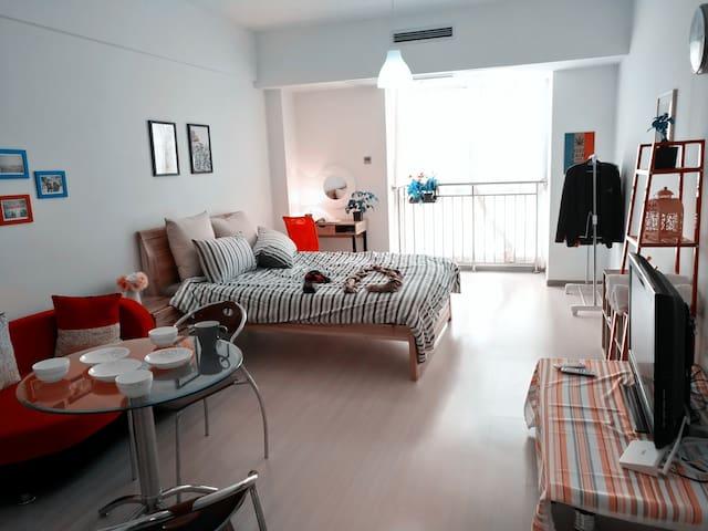 位于大学城两个肥宅攻城狮经营的阳光满屋有梳妆台的短租公寓,合肥二胖
