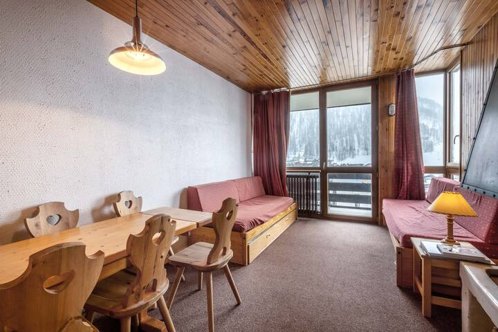 Apartment with a South facing balcony with a beautiful view of the mountain and the village