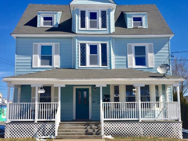 Downtown Beach Getaway - Old Orchard Beach - Apartment