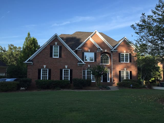 5 bed room house in Lake Jeanette on the Lake - Greensboro - Haus