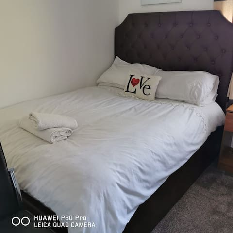 Cosy,Clean double and single bedroom