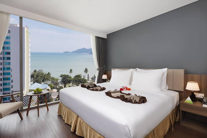 Ocean Luxury libra Nhatrang hotel room
