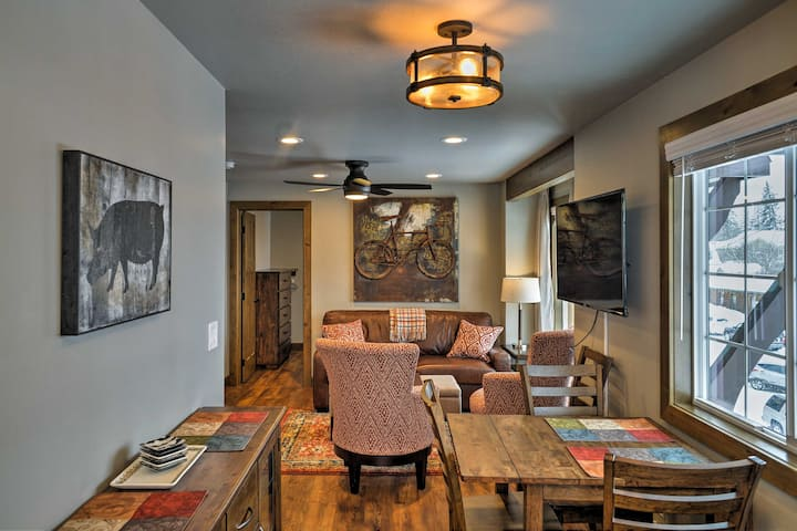 Cozy Condo - Heart of Downtown Whitefish w/ Views!