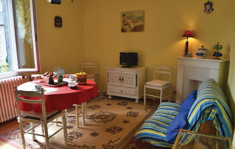 Holiday apartment with 1 bedroom on 36m² in Vildé-la-Marine, Hirel